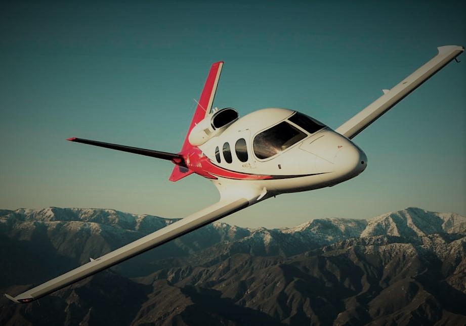 Cirrus Aircraft передала заказчикам двести ВС SF-50 Vision Jet